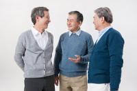 [질병백과]명절엔 살펴보세요! 거칠어지는 부모님 목소리, 성대 검진 필수